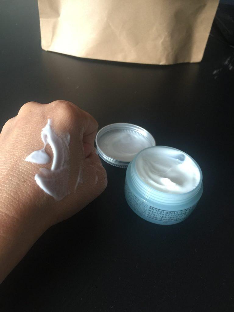 texture de la crème hydratante MUJI