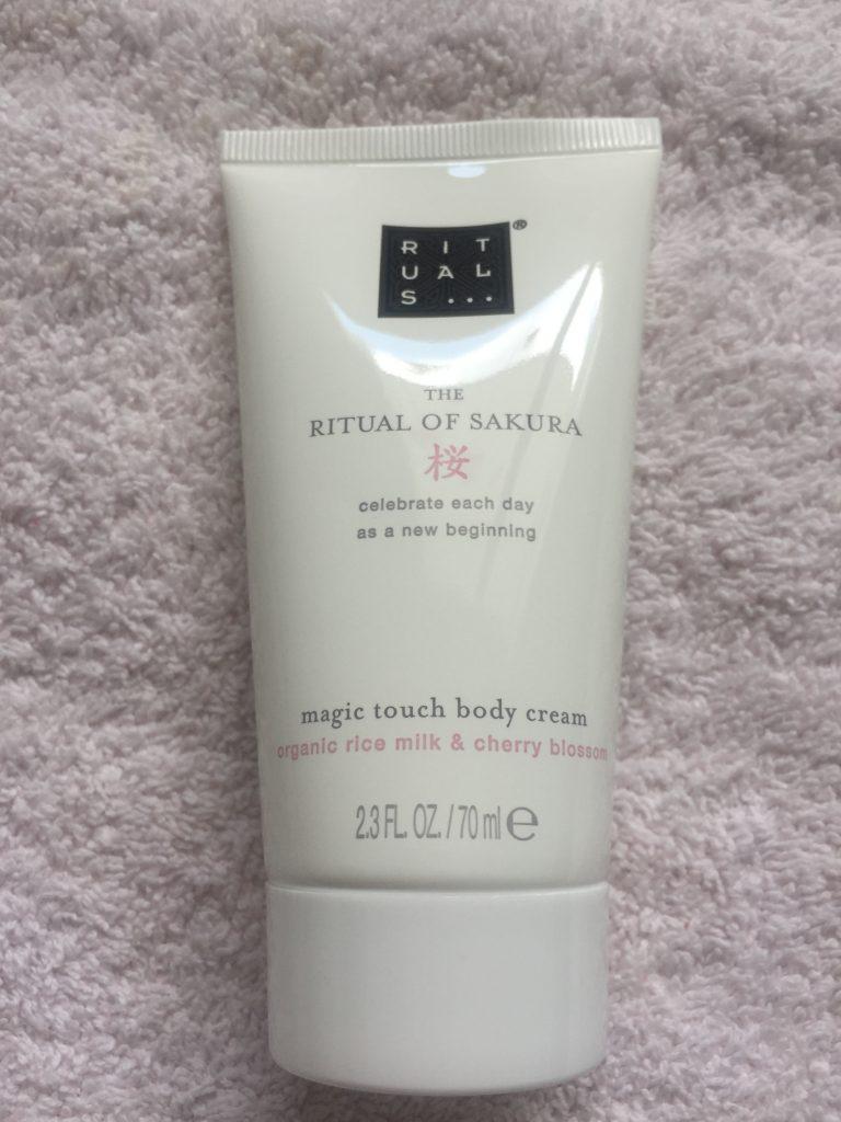 crème hydratante rituals of sakura