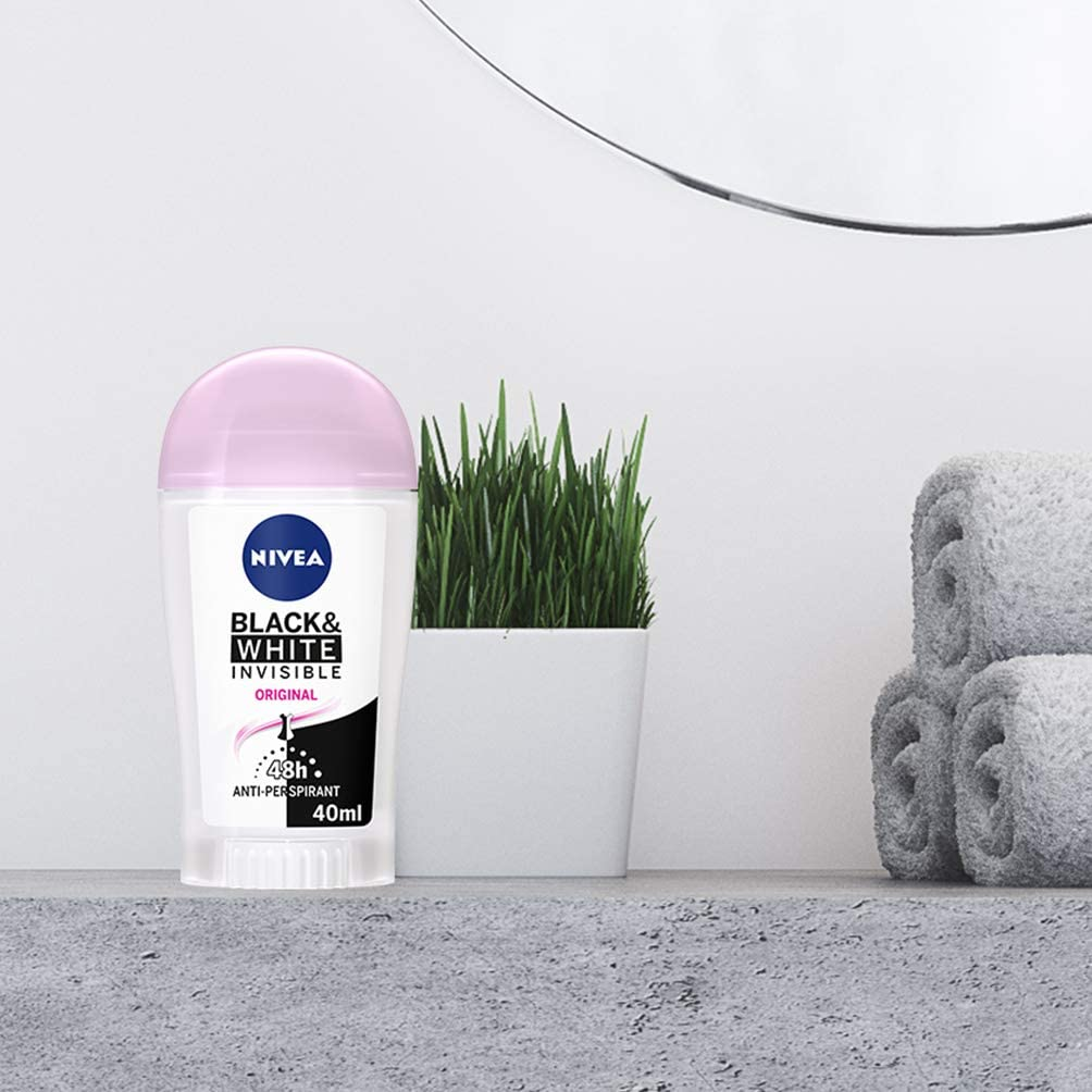 Deodorant Nivea Black and White