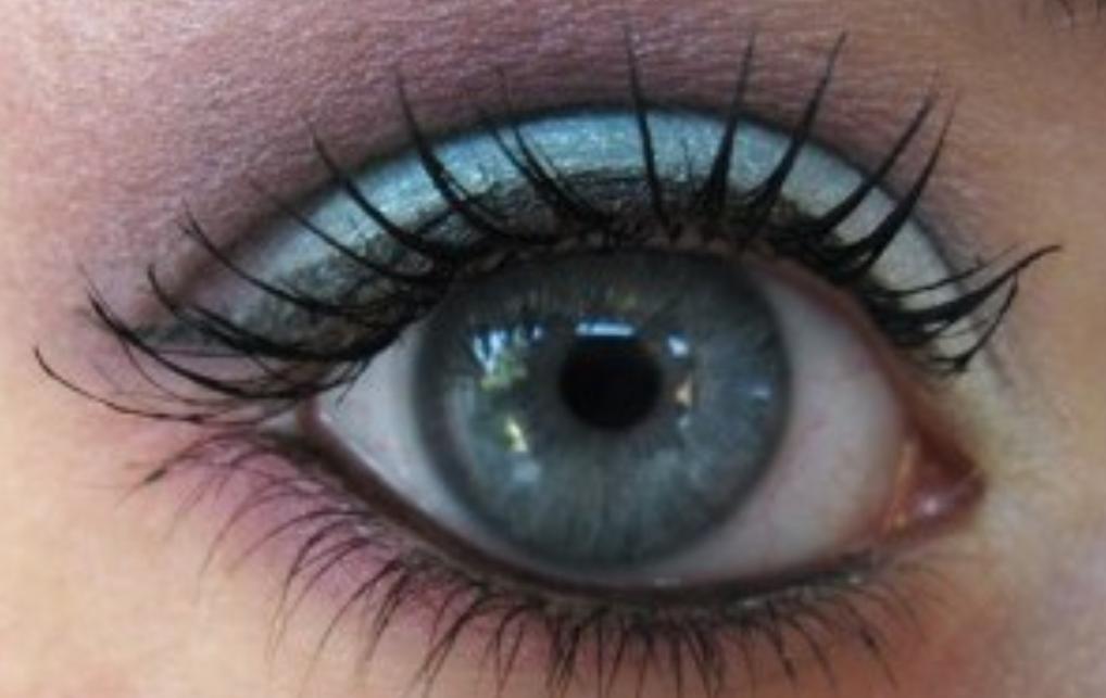 Maquillage de yeux bleus: mon toto 'couleurs et douceur'